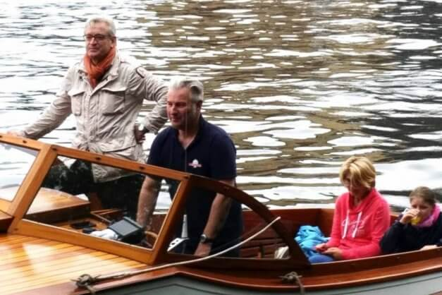 Private-boat-tour-on-river-Spree-Berlin-with-kids